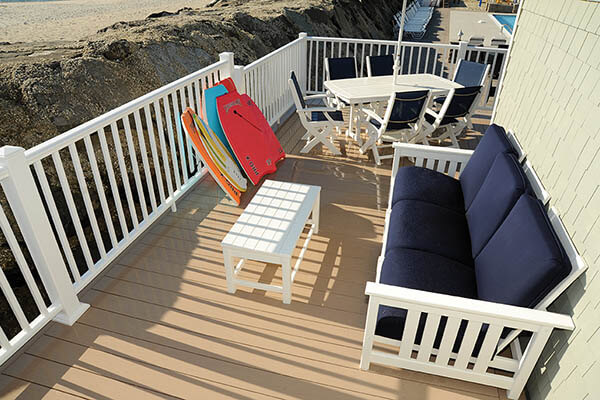 Heat resistant composite decking