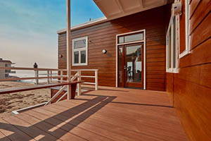 TimberTech AZEK Vintage Collection in Mahogany Beach Bungalow Deck
