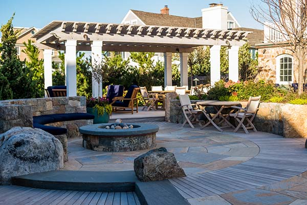 Difference Between Deck and Patio TimberTech AZEK White Pergola with Trim Moulding Circular Patio