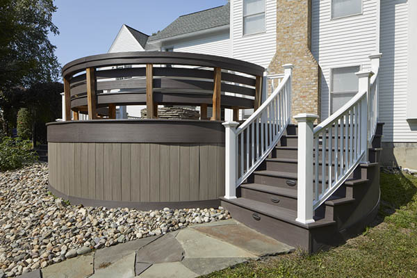 Curved deck with fascia