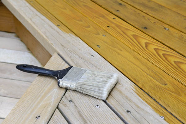 Composite decking material cost doesn't include staining