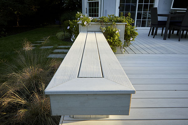 Low deck ideas with built-in bench and planter box