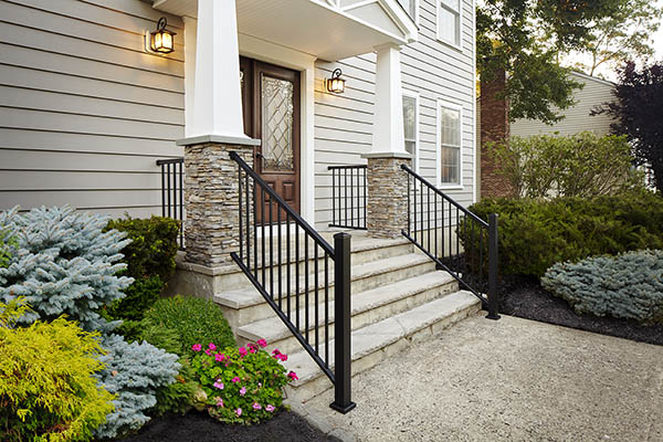 Outdoor stair railing ideas to keep it simple and chic