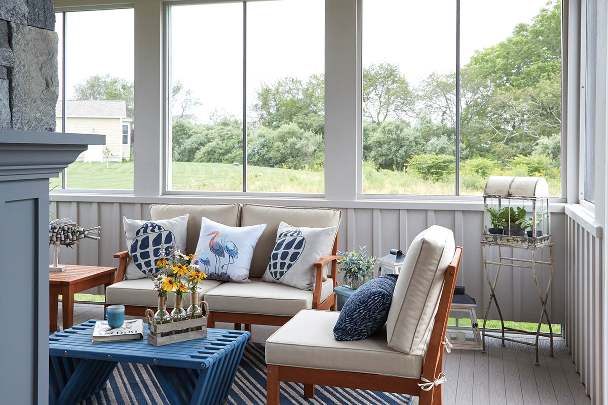 Covered front porch ideas for screened-in porches