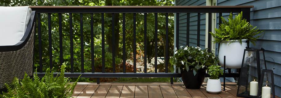 Modern decking railing ideas featuring composite railing